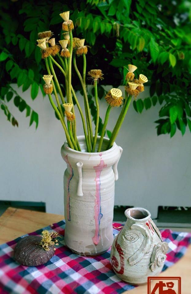 Bình gốm cắm hoa
